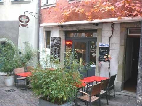 Non-Stop Burger Bar, Lutry